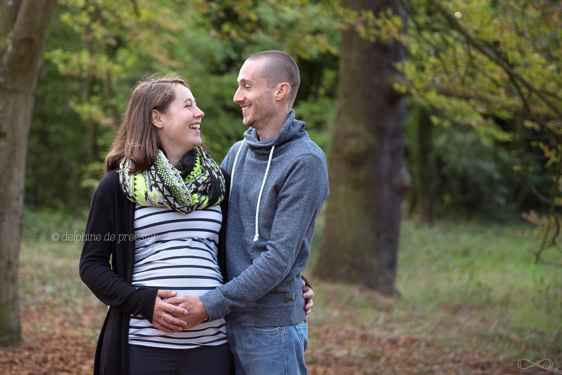photographe grossesse dans un parc en extérieur paris 75 91 92 94 77