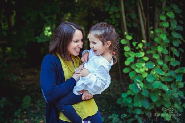 un moment de rigolade entre mère et fille